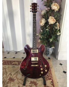 ES 335 Bordeaux rood